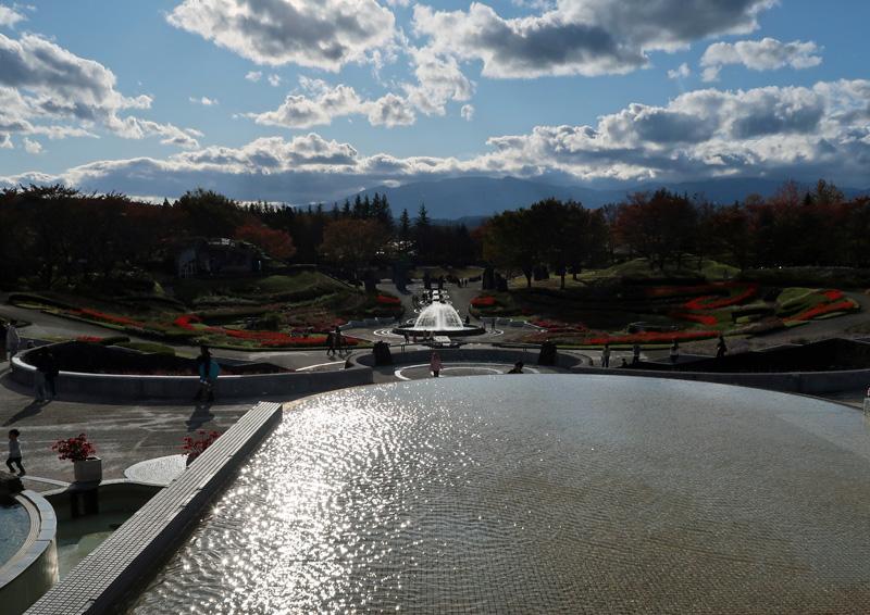 国営 みちのく 杜の湖畔公園